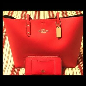 Coach Tote & Matching Wallet